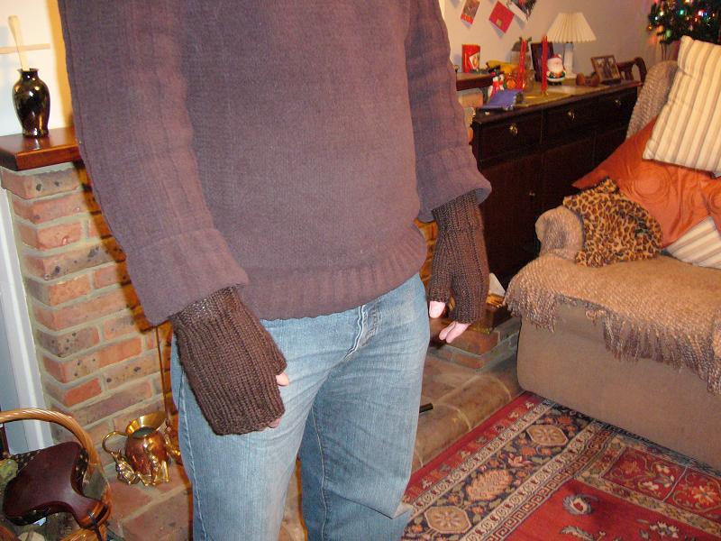 Photo of M's Christmas fingerless mitts