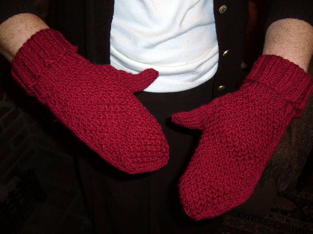 Xmas mittens for Mum 09